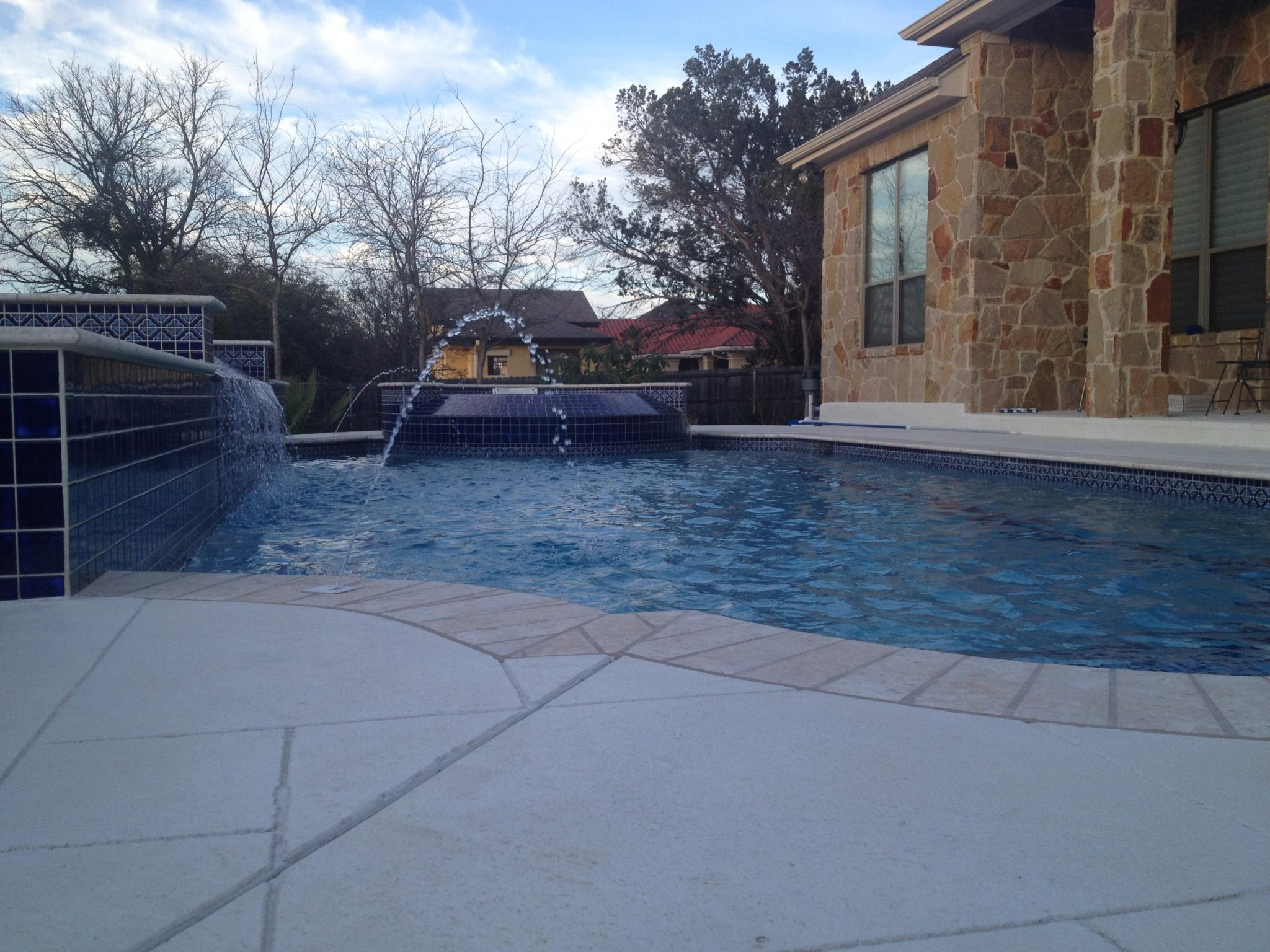 Custom pool builder portfolio austin texas new wave for Custom pool builder