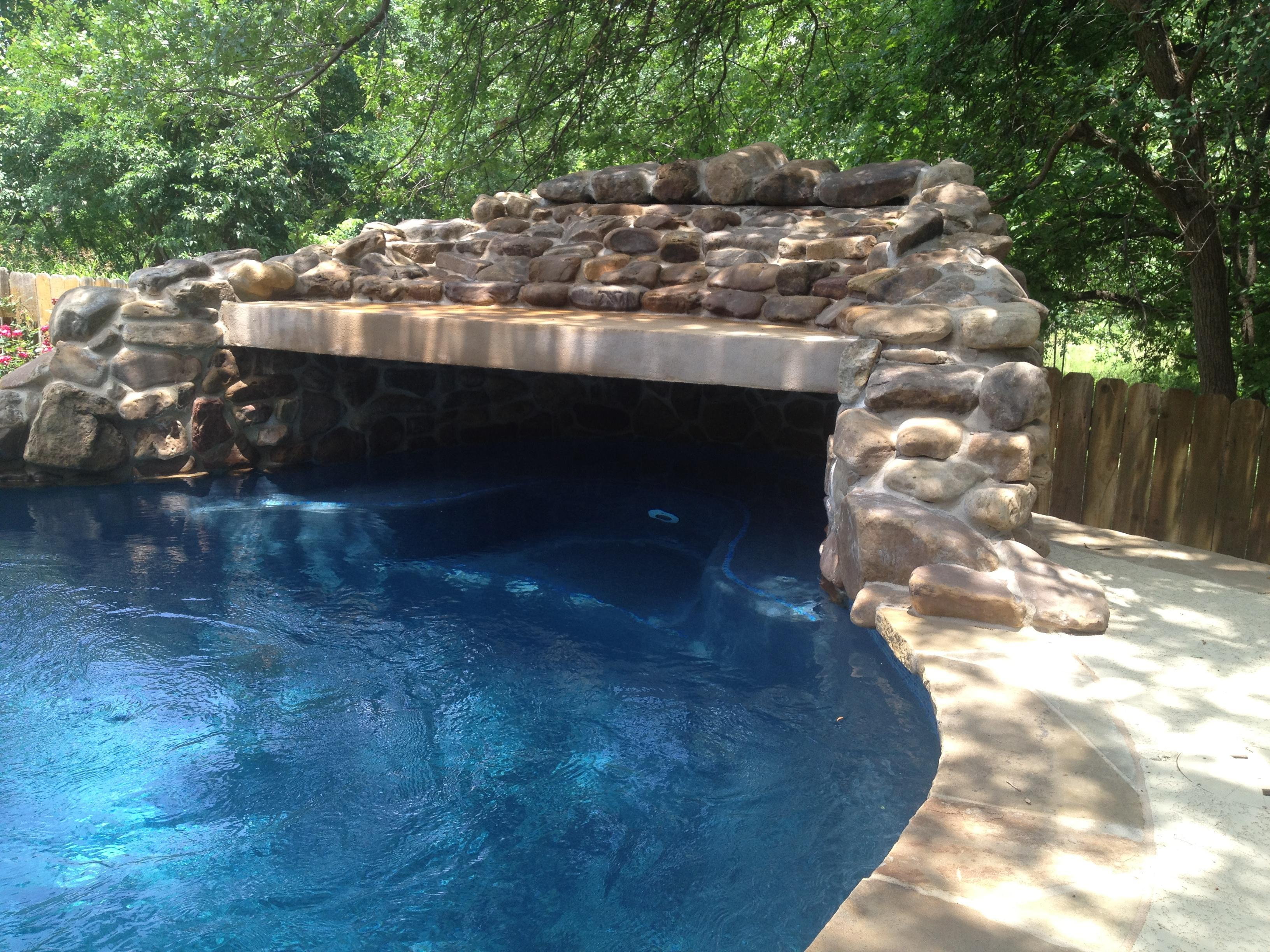 Custom Grotto Features New Wave Pools Austin